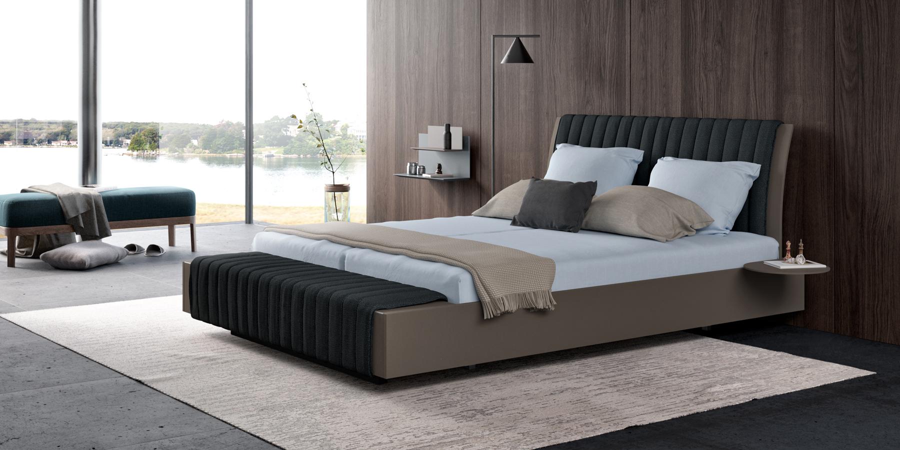 Bett mit hohem gewölbtem Kopfteil und Polsterauflage